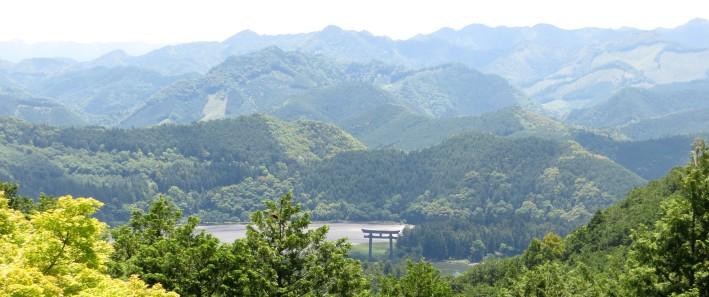 Hongu Taisha torii landscape banner image